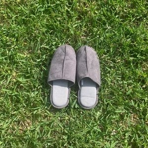 Grey House slippers medium 9 / 10 women's
